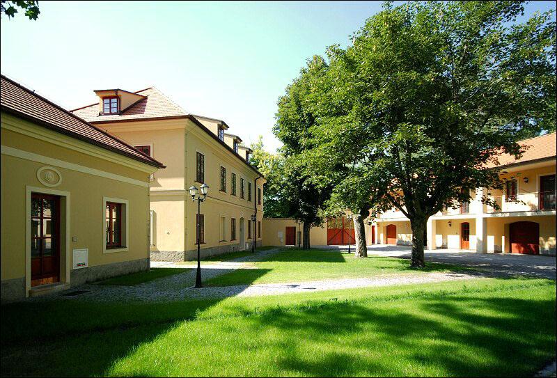 Rekonstrukce areálu Ke dvoru - Evropská Praha 6