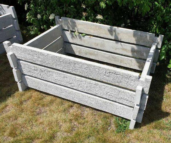 jak vyrobit kompostér, betonový, bio, kompost, kompostér, skládaný, tráva, ukládání trávy, záhon, zahrada, zahradní, komposter, do zahrady, bioopad, likvidace, bioodpadu, zbytky potravin, kompostovani, kompostování, malý kompostér, levný komposter,